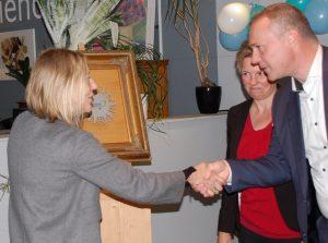 Wethouder van Burgsteden feliciteert 2Switch met Keurmerk Kringloopbedrijven